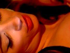 Superstar ряд Тейлора Лисицу в лесбийского секса вместе с Ники острове Родос рыжий