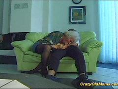 Verrücktes alt Mamma bekommt großen Schwanz bei Fotze mündlichen und tief