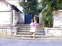Rondborstige Aziatische vrouw krijgt gebogen over , blaast en titty eikels en krijgt genageld