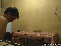 Ragazzi cazzo a in una cucina di dirty