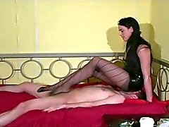 Ballbusting implacável
