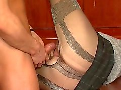 Lusty Blondine in den Strümpfen is fucked