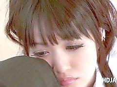 Aziatische schattig schoolmeisje plagen verlangen pik in POV stijl