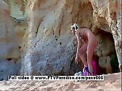Suzanna van ftv babes lang haar blonde tiener babe masturberen op het strand