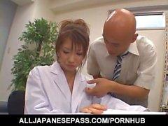 Nami Кимура получает пальцев на руках и сперму с донгов на волосатой любовного коробке