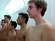 Студенты неуставные отношения во унизительном ритуал