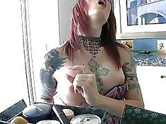 Tatuerade tranny Brittany St Jordan punkbandet