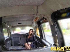 Поддельный такси Горячий грудастый милашка получает массивный выстрел спермы