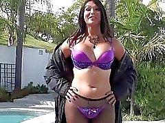 Tgirl Bailey bangs TS babe Vanitys ass