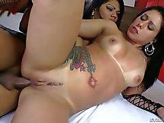 Shemale Cassia De Carvalho fucking girl s pussy