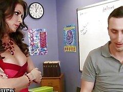 Горячего большого учитель синицы Джессика Джеймс колотит своего ассистента - Naughty America