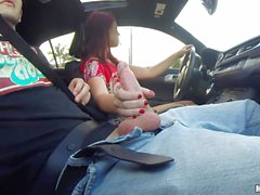 Brooklyn Rose gives car handjob