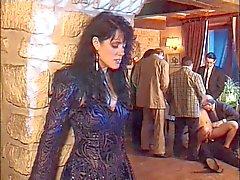 femme offerte unos del DES hommes en Murs