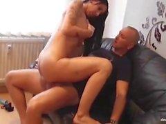 Tracy genießt es beim Pornocasting mal so richtig gefickt zu werden