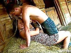 Couple schlägt hart mow