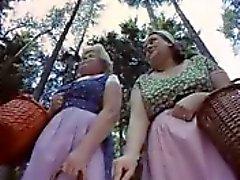 Mulheres maduras provocação sexo ao ar livre