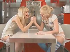 Di Girly l'amore sul tavolo della cucina