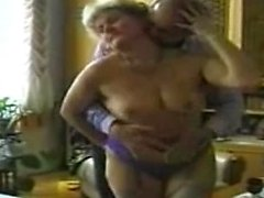 Amateur anal threesome with 2 fat bbw wives and cumshot