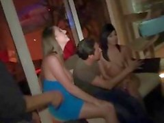 Layla Lopez n Melanie Hicks seks foursome