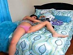 Lesbian - companheiro abafamento passar para fora