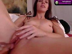 Louise Glass hand och dildo vibe cumshow på cam