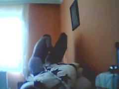 Ele bate a gf turco na cama