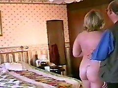 Tournage porno amateurs faits maison tôt avec Josephine de James
