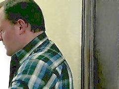 Le papa défonce sa jolie pom-pom girl étudiante Riley a Reid