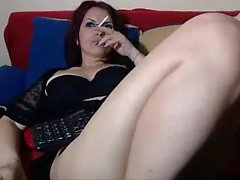 Chubby MILF toying