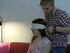 Scarno teenager che legata e tutti i fori scopata dal suo amico BFs