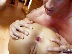 Brunette beauty gets her butthole drilled hardcore