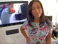 Flört Latina Leona Dulce fher kot alıyor