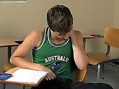 Hot Gay Ashton Rush y de Brice Carson se encuentran en practicin la escuela