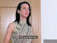 Парень трахает девушку Наташу и агент женского пола на кастинг