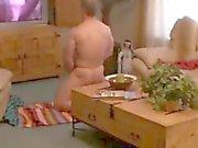 oda kapalı Sürme ve porno izlerken yakalandı