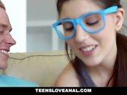TeensLoveAnal - Nerdy che Virgin sodomizzato