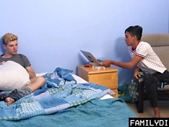 FamilyDick - Hot Daddy Trekant