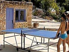 3 ст теннисистов страстной лесбийское действие на улице