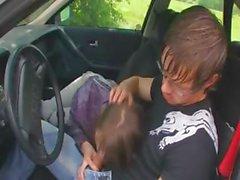 20anni ragazza russa fa scopare sulla vettura