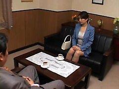 Amore attraente babe giapponese con un ass divino rimbalza in un s