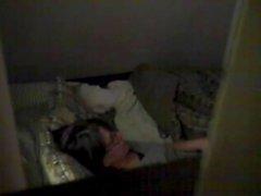 Frau Orgasmen mit Vibrator auf Bett - versteckte Cam