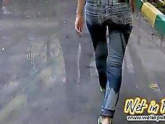 Публичные джинсов смачивающих и задницу крупные планы