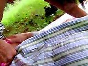 Bbc biseksuaali aisankannattaja Vivien tapaa Hugon puiston ja eivät voi