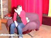 grassa ragazza Mostre sue forme juicy di del backstage