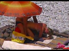 Praia spy cam expondo amador porra casal doggystyle