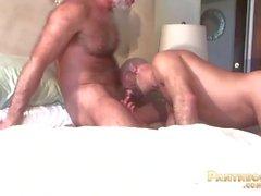 Сексуальный трюк Daddies Аллен Серебро и Адам Руссо Трахают друг друга в постели