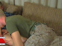 Des officiers Military Prima Gay Pompino