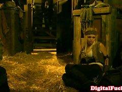 Порнозвезда Abbey Брукс анальным костюм вакханалии