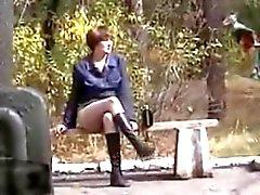 Ich zuckte im Busch , Blick auf die seltsame Frau