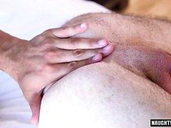 Большой член гей анальный секс с Сперма